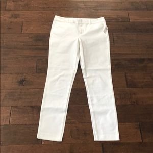 Old Navy White Pixie Ankle Pants. NWT. Size 10T.